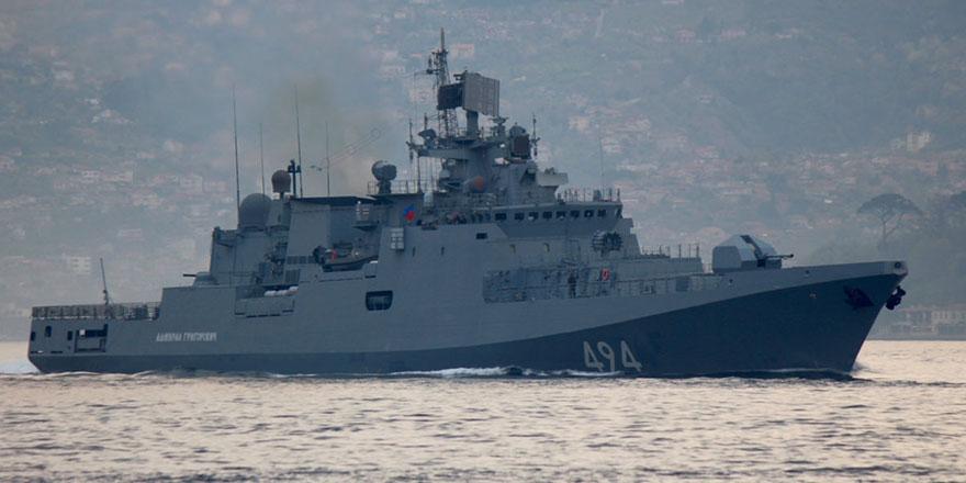 Rusya'nın seyir füzesi taşıyan iki fırkateyni yola çıktı