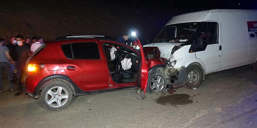 Seyir halindeki aracın sürücüsü kalp krizi geçirdi