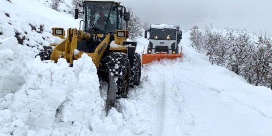 Siirt ve Şırnak'ta 37 köy yolu ulaşıma kapandı