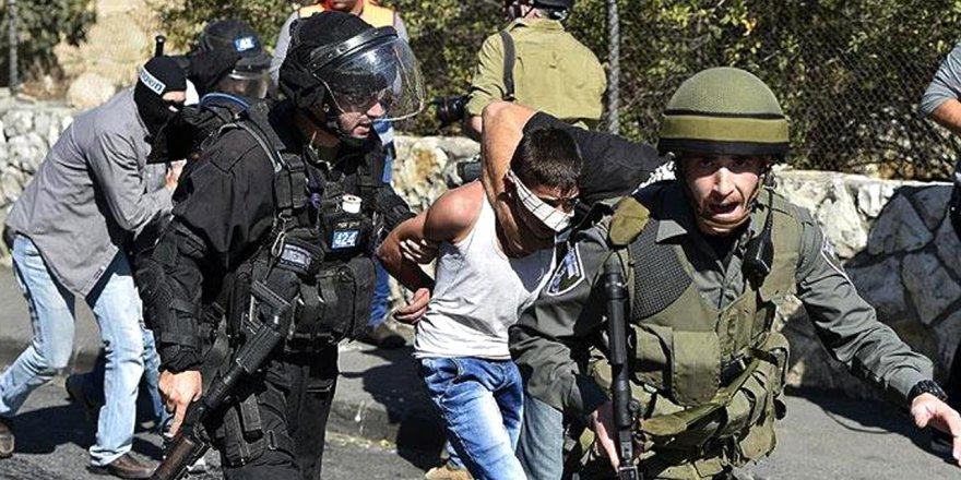 Siyonist İsrail, 13 yaşındaki Filistinli çocuğa 3 yıl hapis cezası verdi