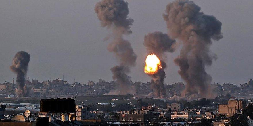 Siyonist İsrail, Gazze'yi vurmaya devam ediyor