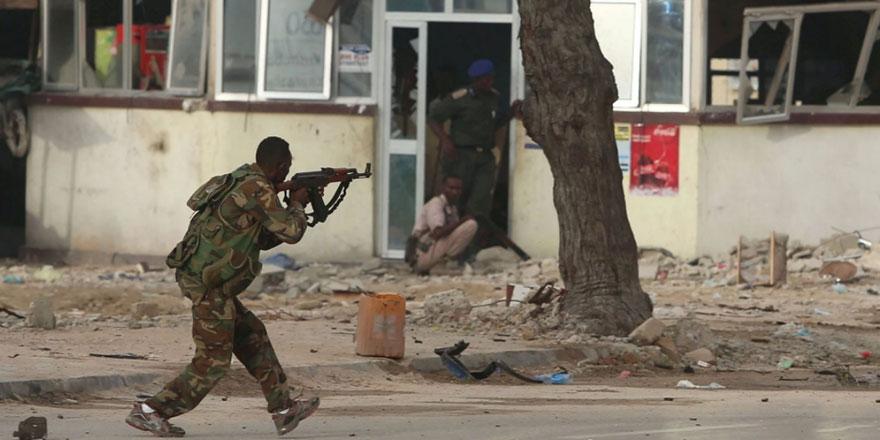 Somali'de asker ve istihbaratçılar çatıştı