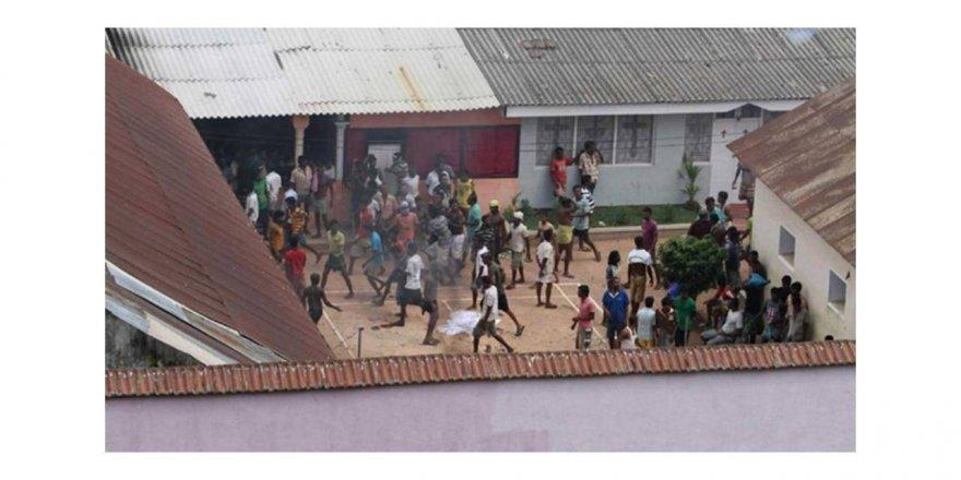 Sri Lanka'da Covid-19 isyanı: 8 ölü