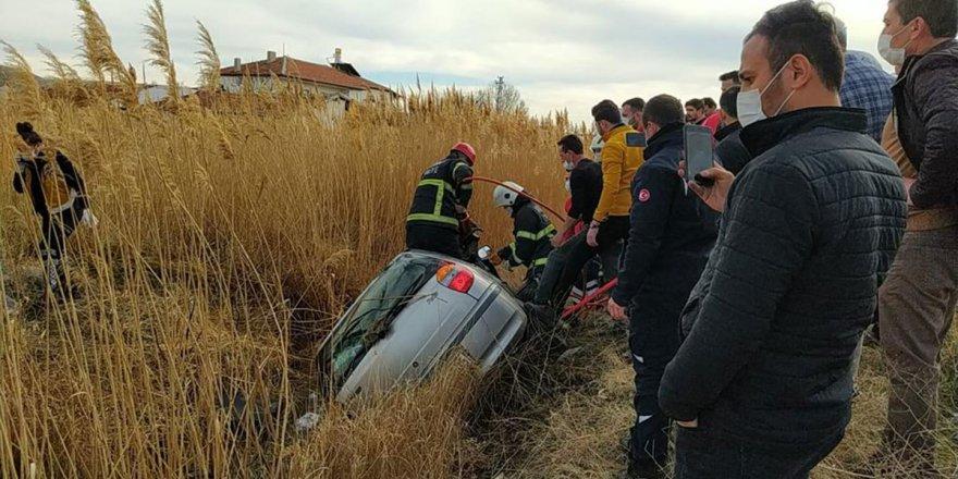 Su kanalına düşen otomobilin sürücüsü hayatını kaybetti
