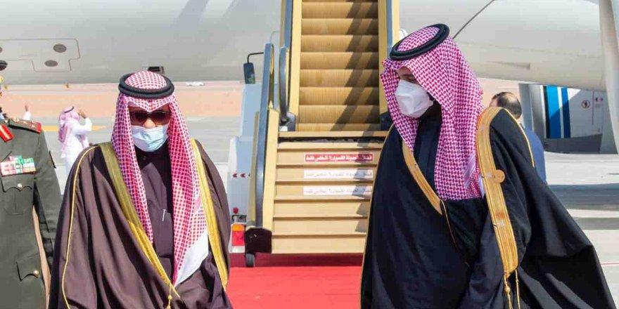Suudi Arabistan, Katar'aSelva sınır kapısını açtı!