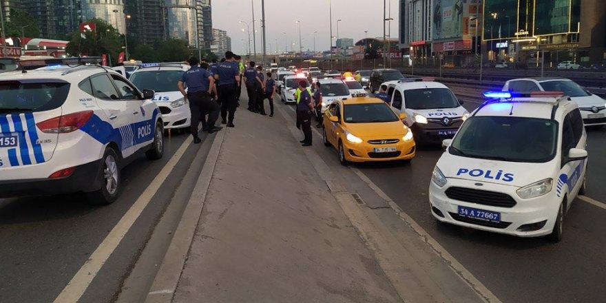 Taksiciyi rehin alıp 'bombalı saldırı' tehdidinde bulundular
