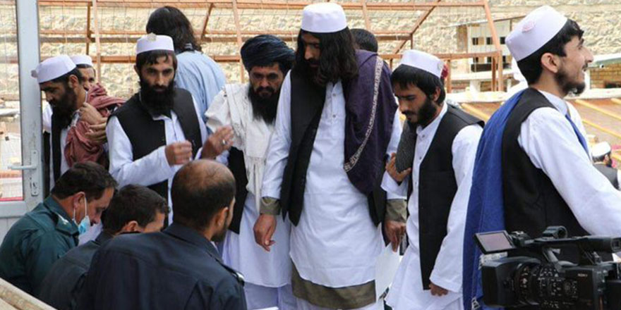 Taliban mahkumlarının salıverilmesi devam ediyor