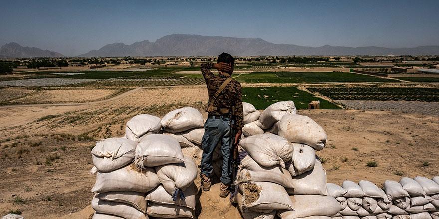 Taliban saldırı sonrası bir karakolu ele geçirdi