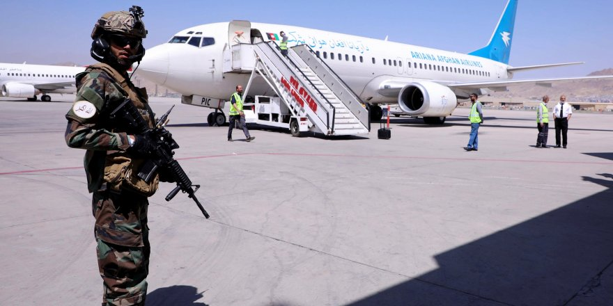 Taliban'ın izniyle Afganistan'dan tahliye uçuşları yeniden başladı