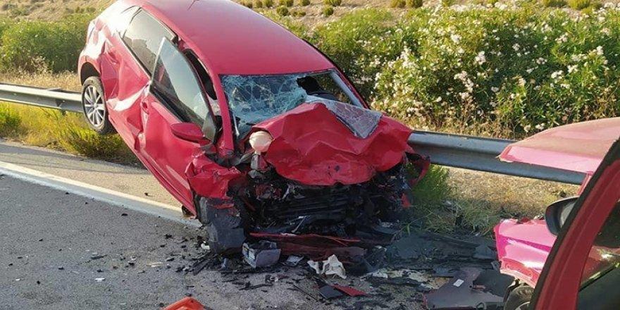 Ters yöne giren kadın sürücü, 1 kişinin ölümüne neden oldu