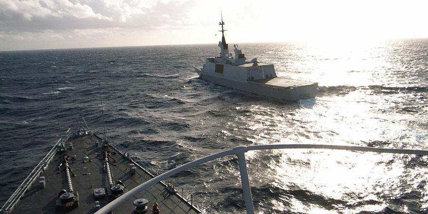 Türk ve Fransız savaş gemileri arasında aşırı agresif yakınlaşma