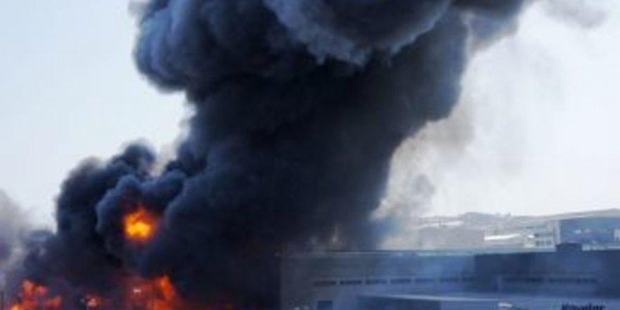 Tuzla'da boya fabrikasında patlama meydana geldi!