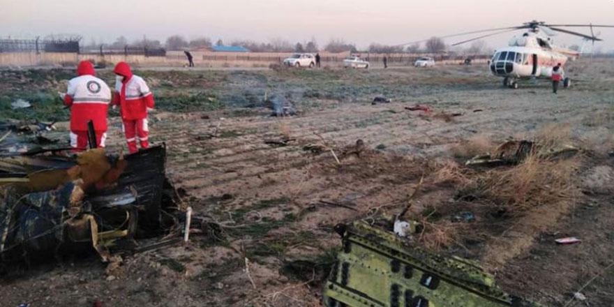 Ukrayna yolcu uçağı İran'da düştü!
