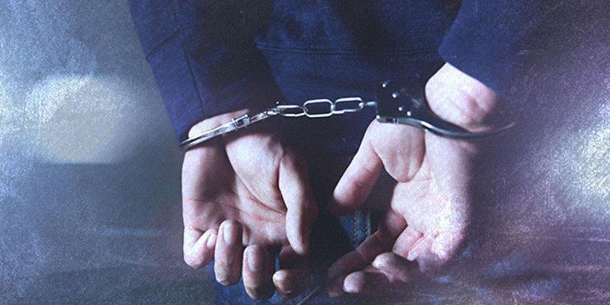 Urfa'da, Hilafet'i anlatan dergi dağıttıkları gerekçesiyle 11 kişi gözaltına alındı!