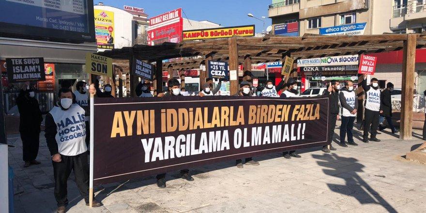 Van'da Halis Hoca'ya özgürlük çağrısıyla yürüyüşler gerçekleştirildi