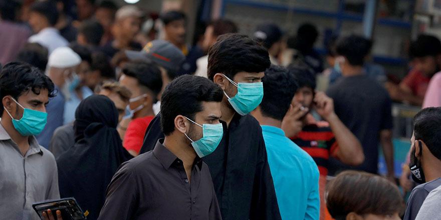Virüs, Pakistan'da bakanlar arasında yayılıyor