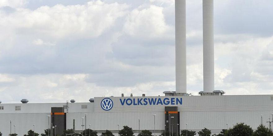 Volkswagen cuma günü üretimi askıya alıyor