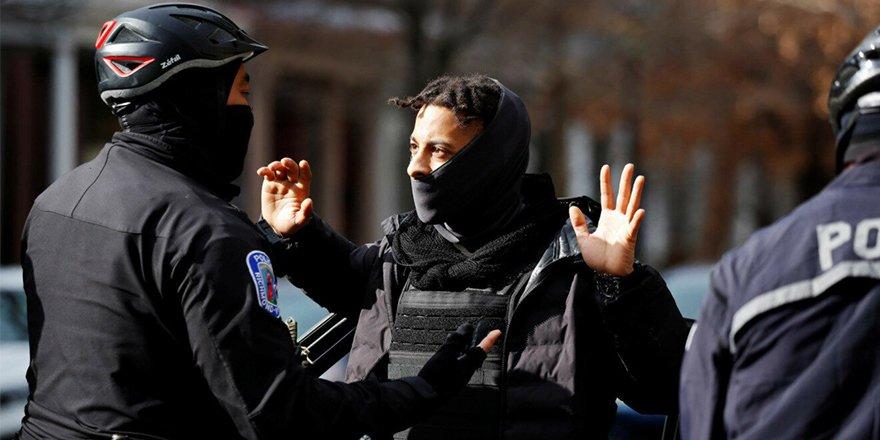 """Yüzden fazla """"ağır silahlı"""" protestocu Oregon Eyaleti Meydanı'na indi!"""