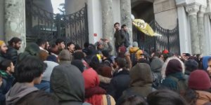 Yemek zammını protesto eden eden öğrencilere coplu müdahale