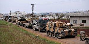 Türkiye'den İdlib'e kilometrelerce uzunlukta askeri konvoy gönderildi