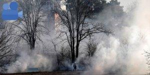 Türk polisi, tazyikli suya gaz bombaları ile yanıt verdi