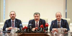 Türkiye'de vaka sayısı yükseldi, Bakan yeni önlemleri açıkladı