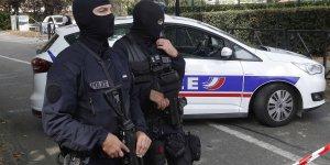 Fransa'da polis sokaktaki evsizlere ceza kesti