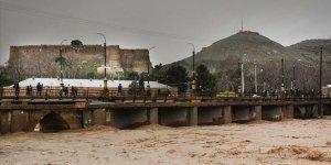 İran'daki sel felaketinde 7 ölü