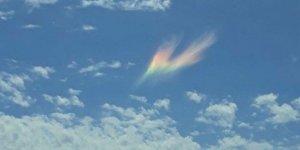 Gökyüzünde görülen olağandışı ışık görenleri şaşırttı