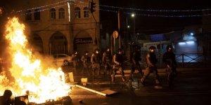 Filistinli gençler, İşgalci İsrail polisine geri adım attırdı