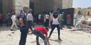 İşgal güçleri çekildi, Filistinliler Esbat Kapısı'ndan Aksa'ya giriyor