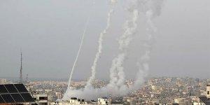 İsrail, hava saldırısıyla Gazze'yi vurdu: Hayatını kaybedenlerin sayısı 24'e yükseldi