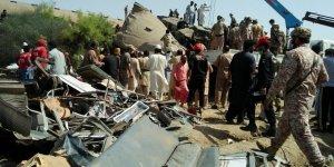 Pakistan'ın Sindh eyaletinde tren kazası: 30 ölü, 50 yaralı