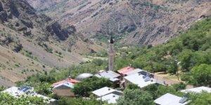 """Erzincan'ın """"Başbağlar köyü"""" katliamın 28'inci yılı"""