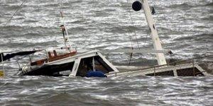 Endonezya'da balıkçı tekneleri alabora oldu: ''9 ölü, 47 kayıp''