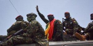 Gine'de darbenin arkasındaki isim:Fransa ve İsrail kuklası Yarbay Mamady Doumbouya