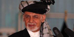 Eski Cumhurbaşkanı Gani, Afgan halkından özür diledi