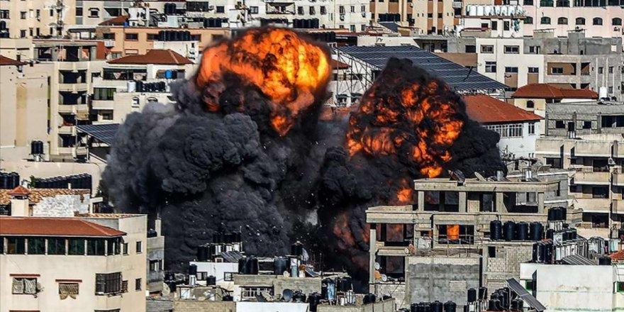 amp-israilin-saldirilarinda-gazze-seridinde-onlarca-bina-yerle-bir-oldu-001.jpg