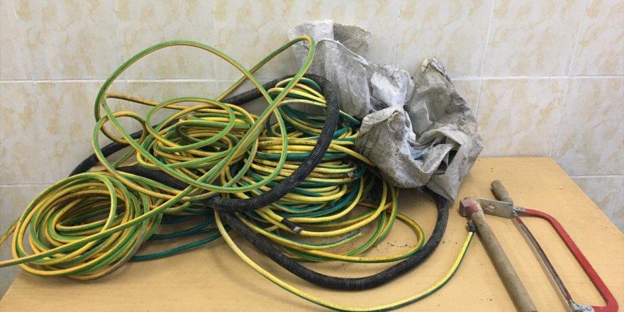 jandarmadan-yht-hattindan-kablo-calan-supheliye-sucustu-7bdcf4a.jpg
