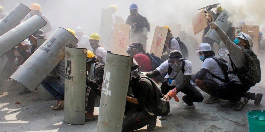 myanmar-protest-reu-1529207.jpg